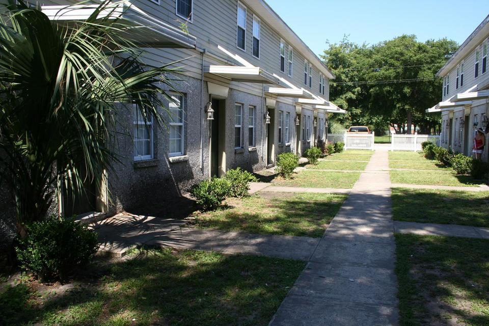 Golden Isles Town Homes - PROFITABLE RENTALS! image