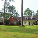 Big Brick Home in a Country Setting and Move In Ready! thumbnail image