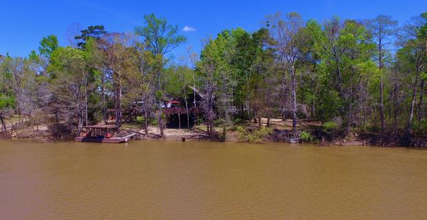 Hunting Lodge Paradise at the River image