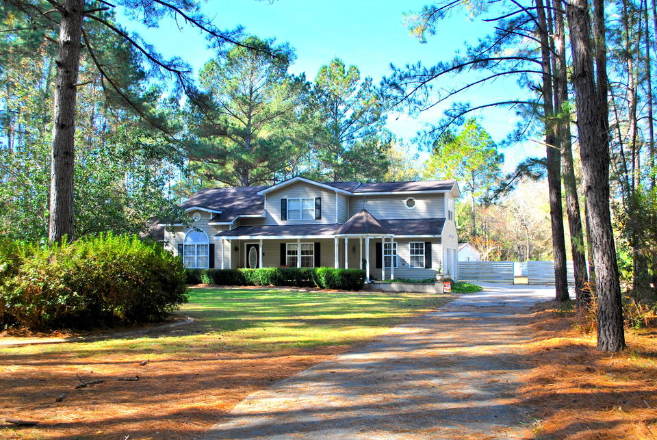 111 Pine Oak main image
