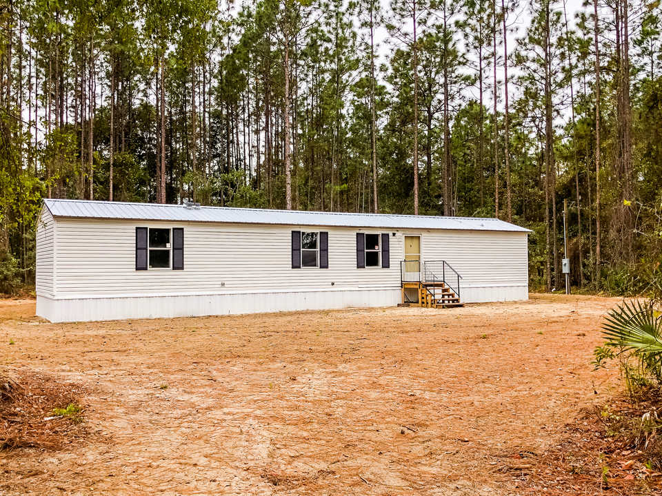 653 Yellow Pine Road main image