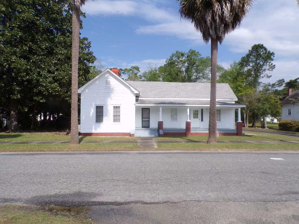 247 N Wayne St. Jesup main image